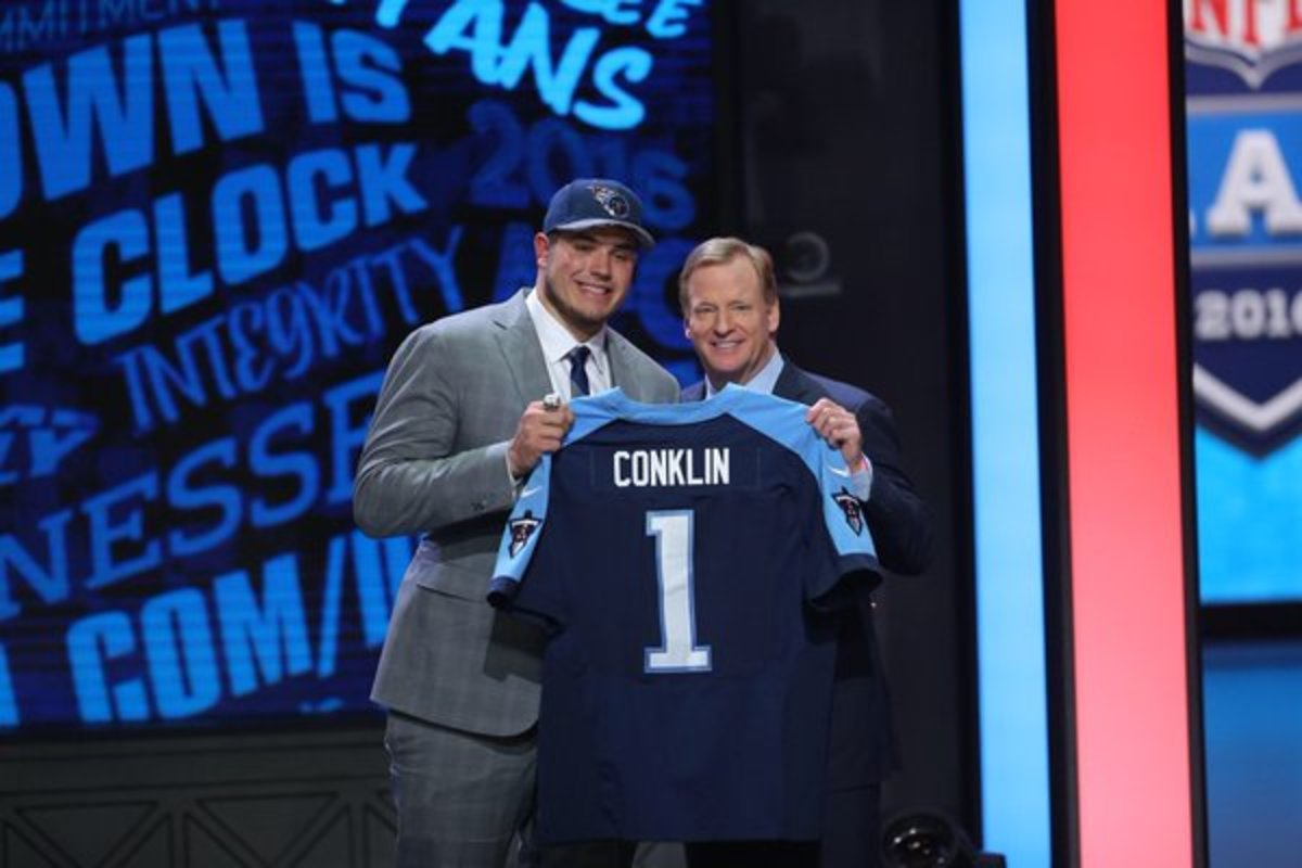 Jack Conklin and Roger Goodell at the 2016 NFL draft.  Photo courtesy of MSU SID.