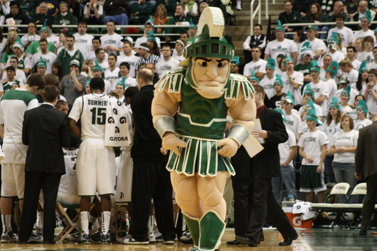 Even Sparty has to be getting frustrated with this team.  Photo courtesy of Mark Boomgaard.