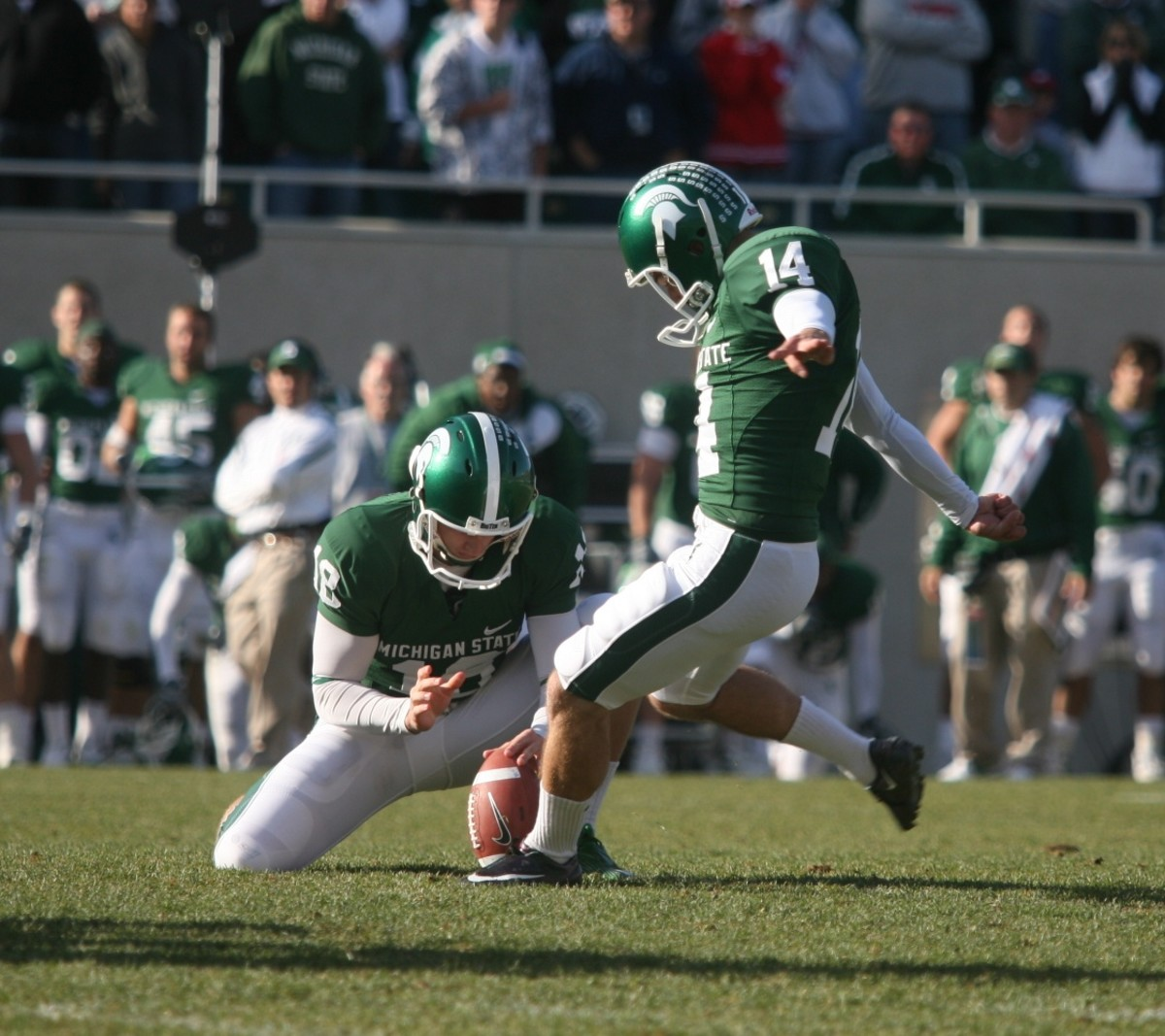 Aaron Bates and Brett Swenson Combine for a Great Win over Wisconsin in 2008!  Photo Courtesy of Bill Marklevits.