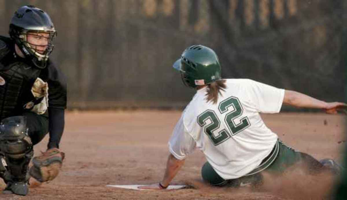 Purtzer knocks in game-winning RBIs in fifth inning.  Photo courtesy of the MSU SID.
