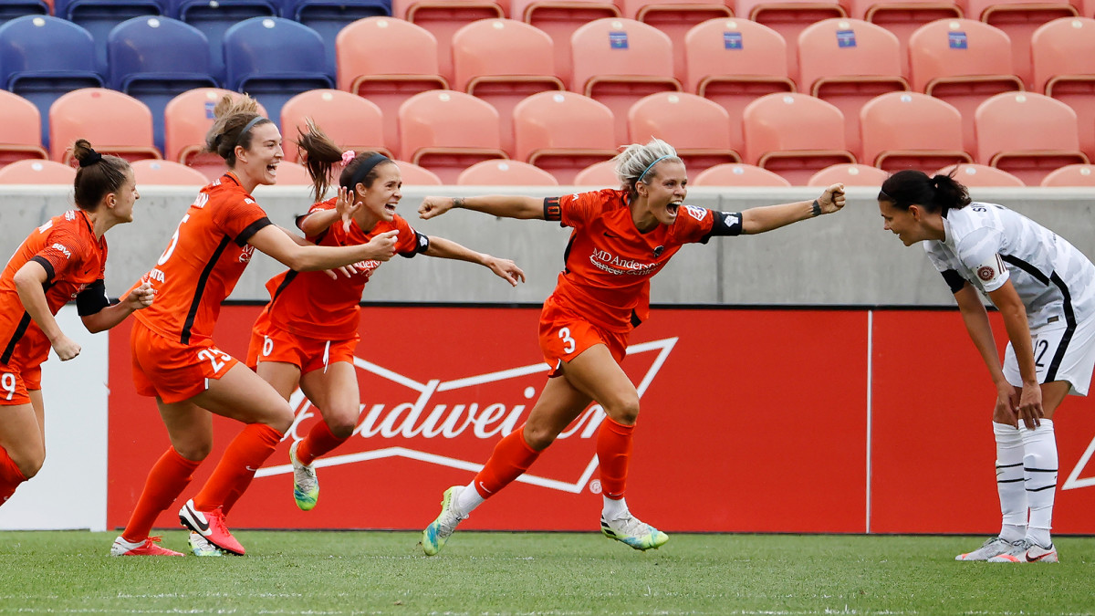 The Houston Dash are on to the NWSL Challenge Cup final
