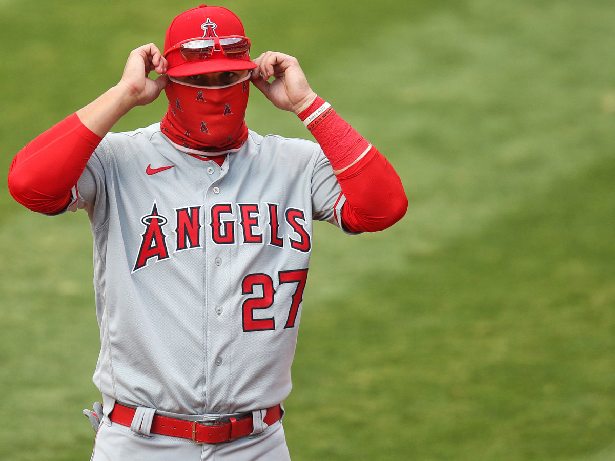 Mike Trout wearing a mask