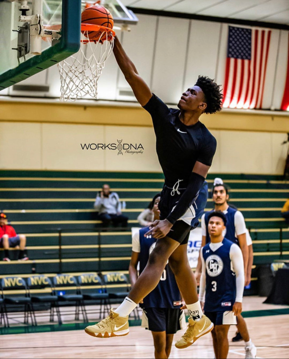 Elite center Enoch Boakye commits to MSU and joins Emoni Bates as a Spartan.