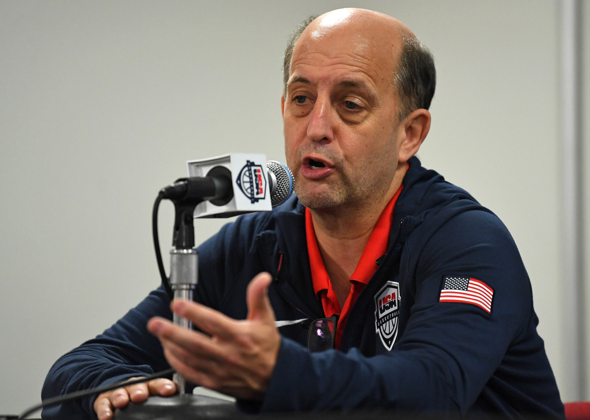 Van Gundy while coaching Team USA, still with bags under his eyes.