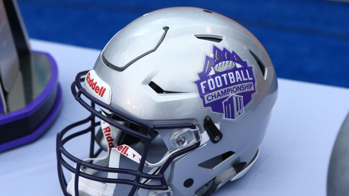 mountain-west-football-helmet