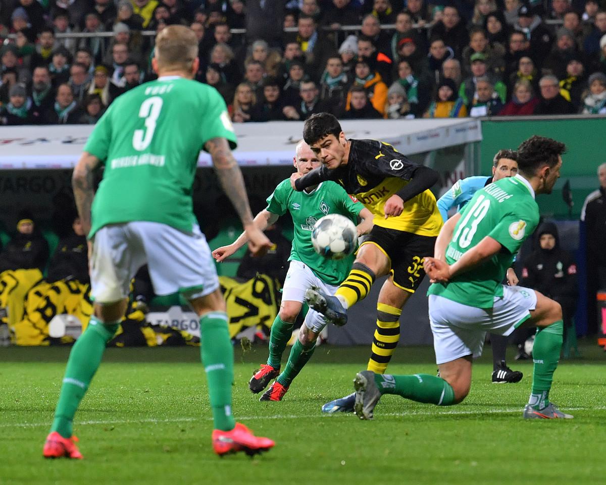 Giovanni Reyna scores vs. Werder Bremen