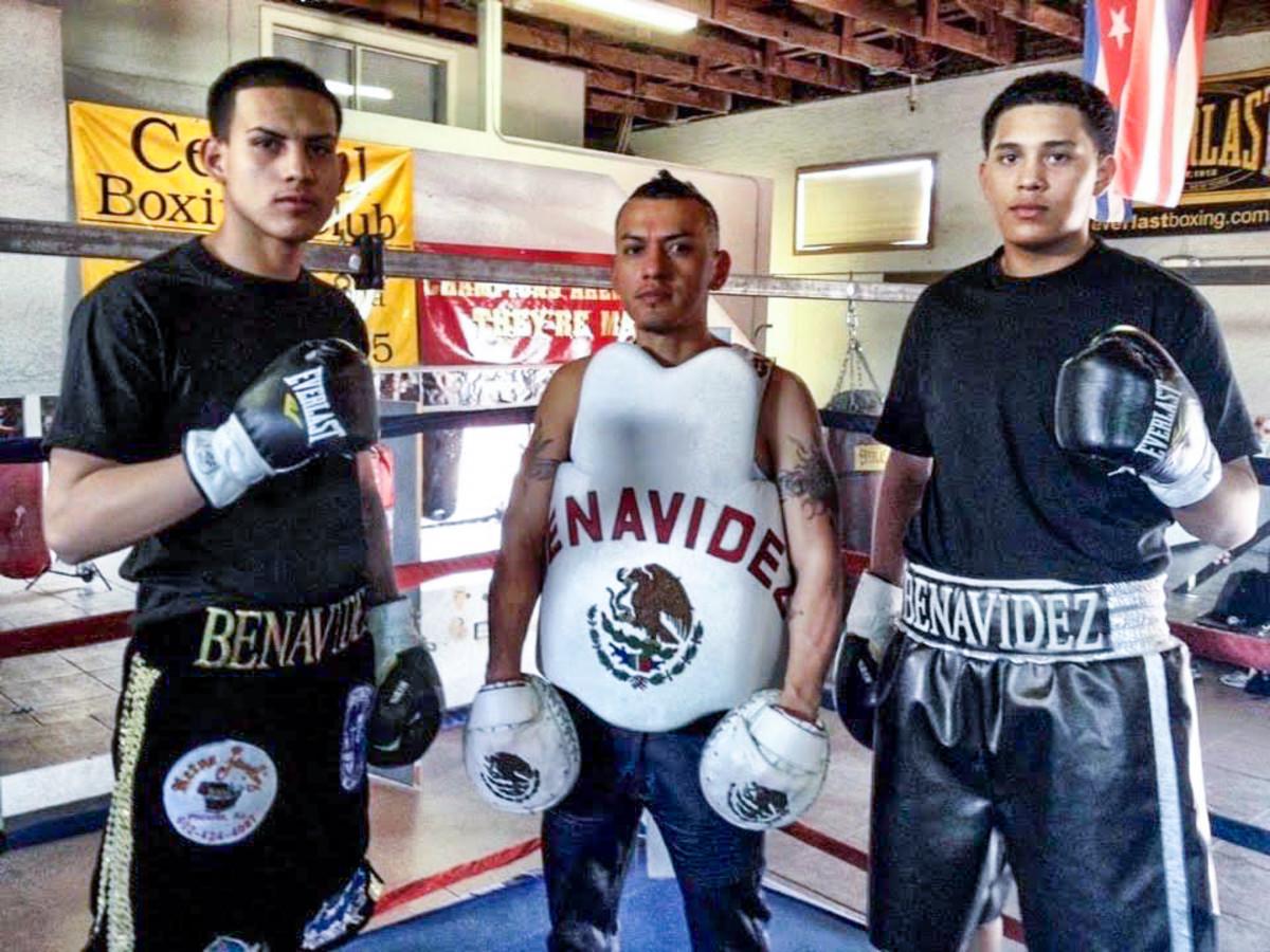 José Benavidez Sr. et ses deux fils