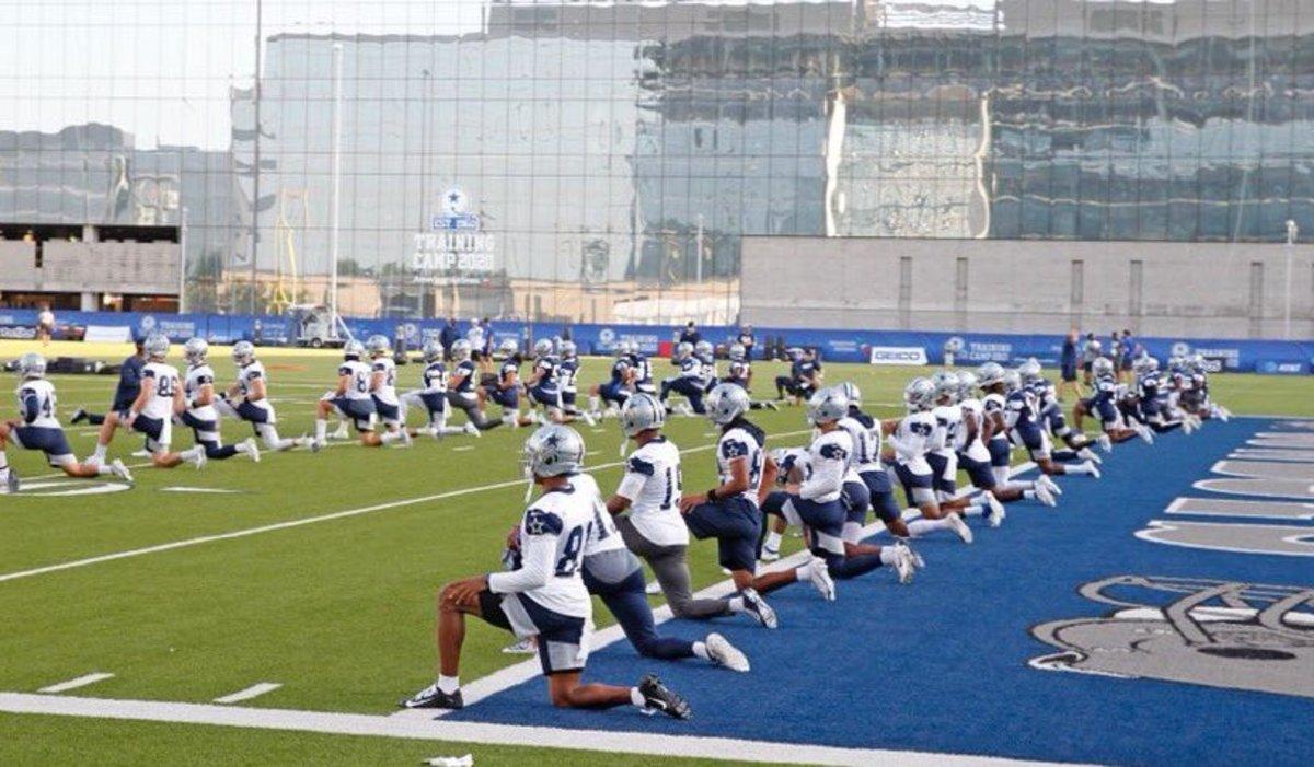 Cowboys-star-camp-stretch-