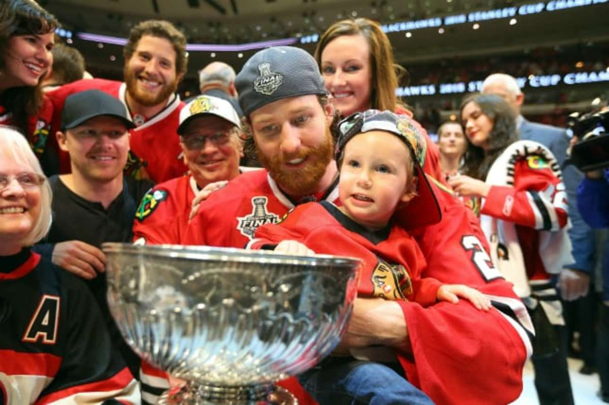 Duncan Keith and son Bruce Bennett