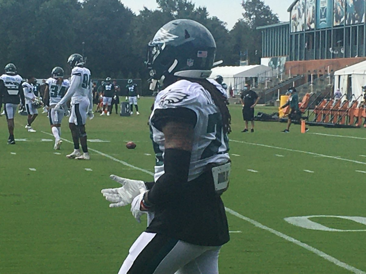 Eagles CB Avonte Maddox working at practice