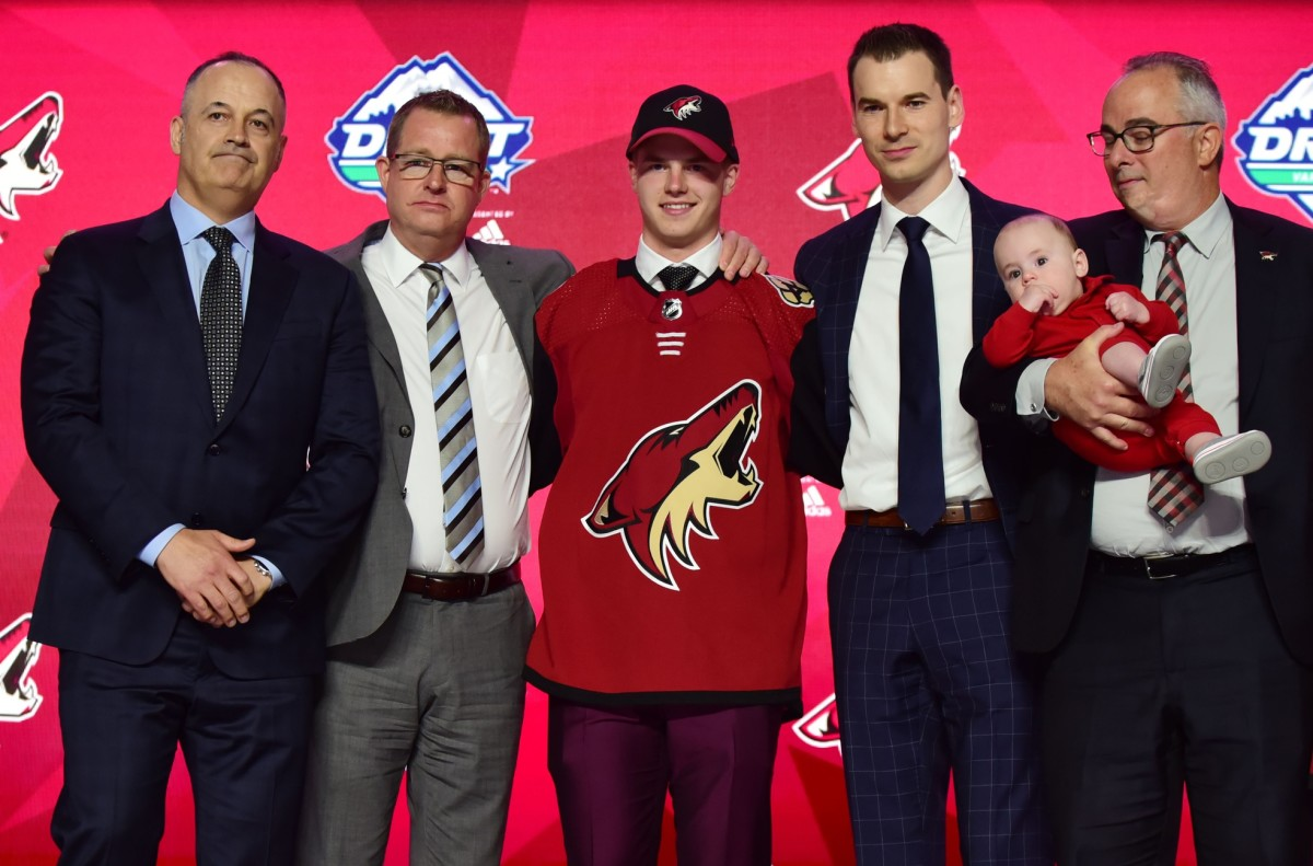 Coyotes brass with first-rounder Victor Soderstrom. Photo by Anne-Marie Sorvin-USA TODAY Sports