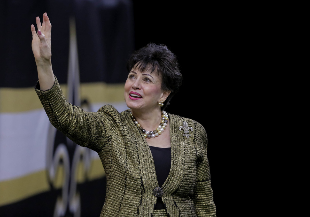 Nov 10, 2019; New Orleans, LA, USA; New Orleans Saints owner Gayle Benson waves to fans prior to kickoff against the Atlanta Falcons at the Mercedes-Benz Superdome. Mandatory Credit: Derick E. Hingle