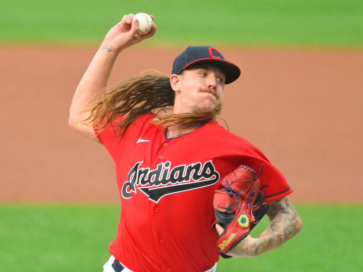 Mike Clevinger pitching