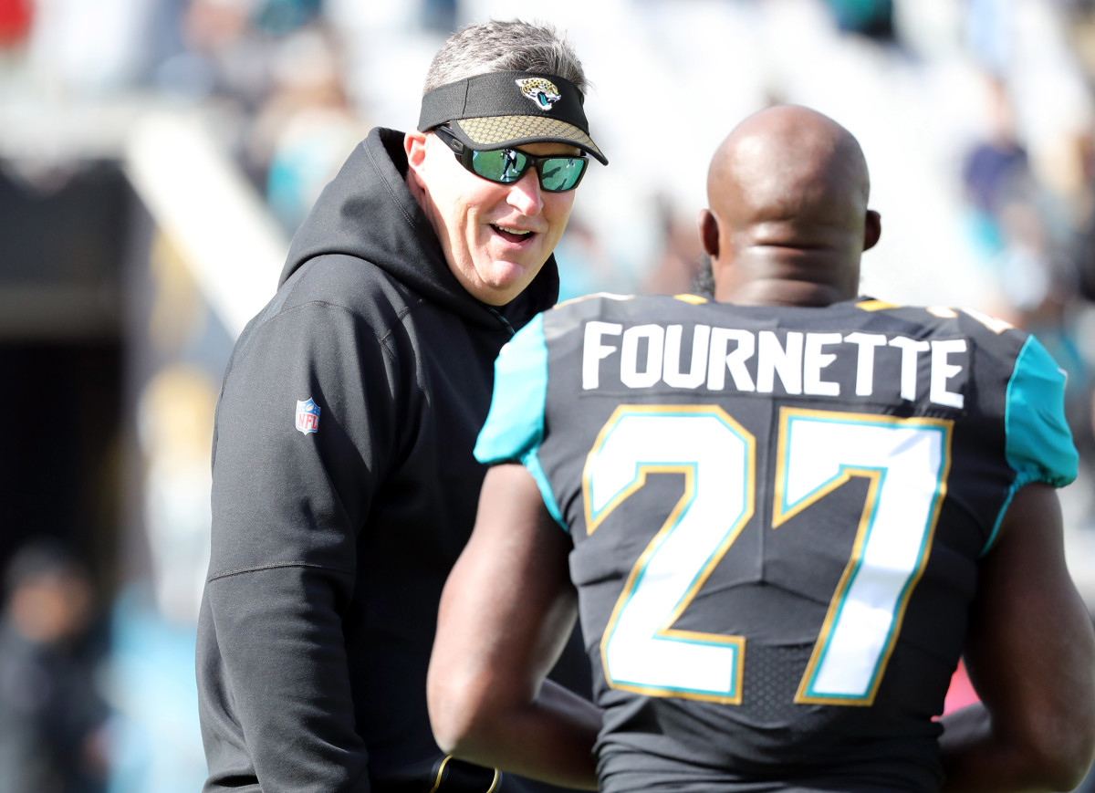 Marrone talks with Fournette before a game.Mandatory Credit: Kim Klement-USA TODAY Sports