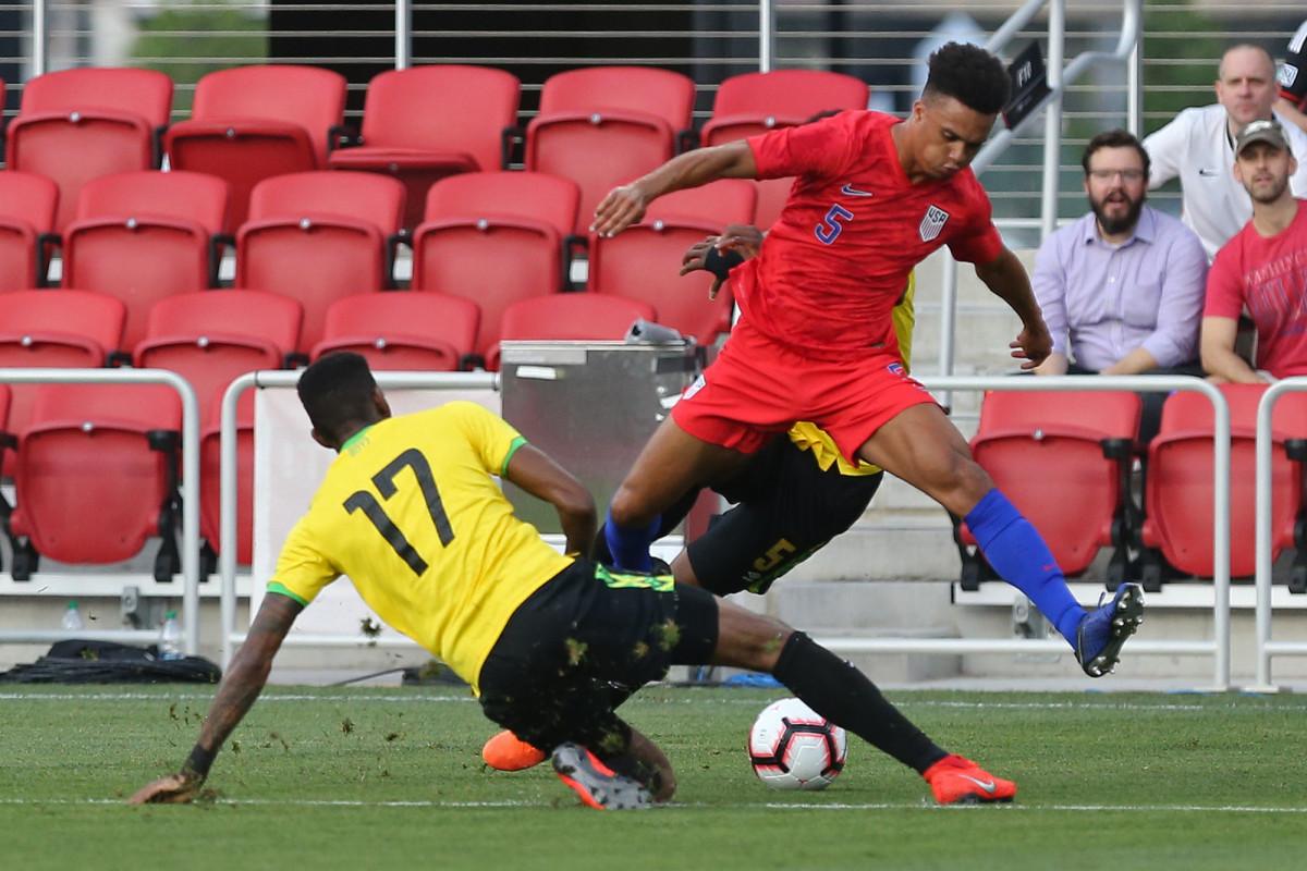 Antonee Robinson plays for USA vs. Jamaica