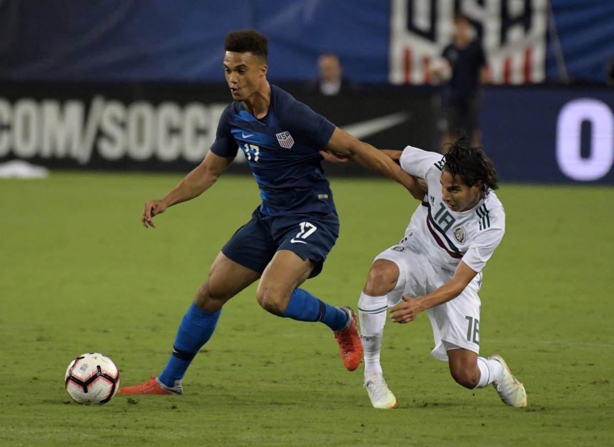 Antonee Robinson plays for USA vs. Mexico