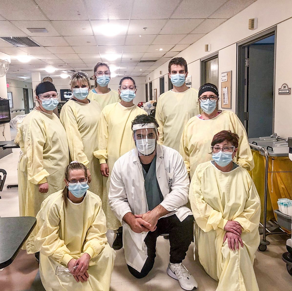 Laurent Duvernay-Tardif and the medical team he is working with