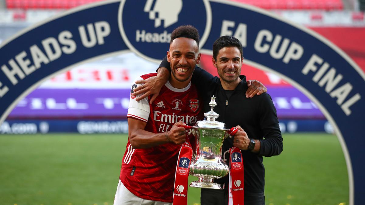 Arsenal's Mikel Arteta and Pierre-Emerick Aubameyang