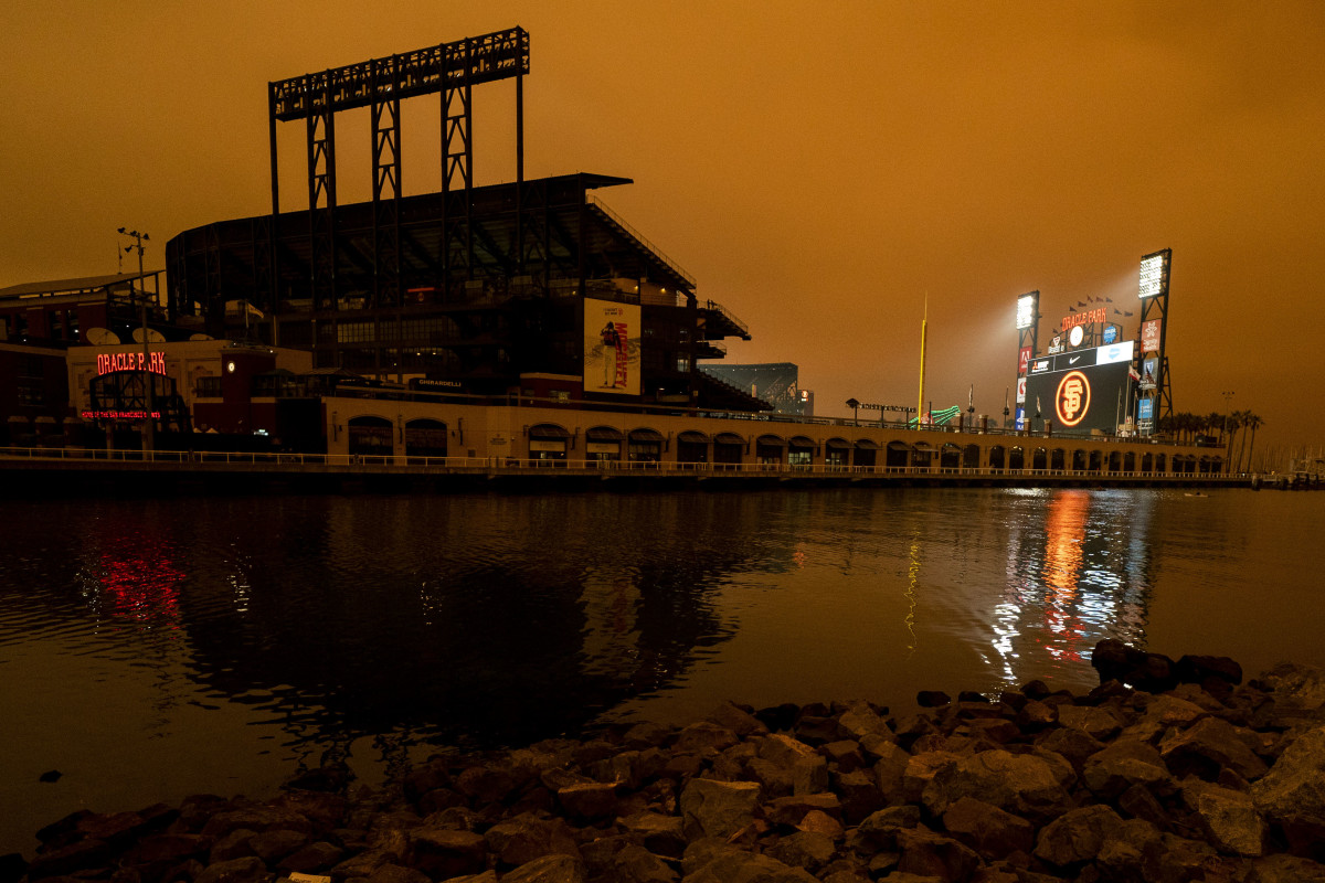 Smoke filled sky at Giants' Oracle Park