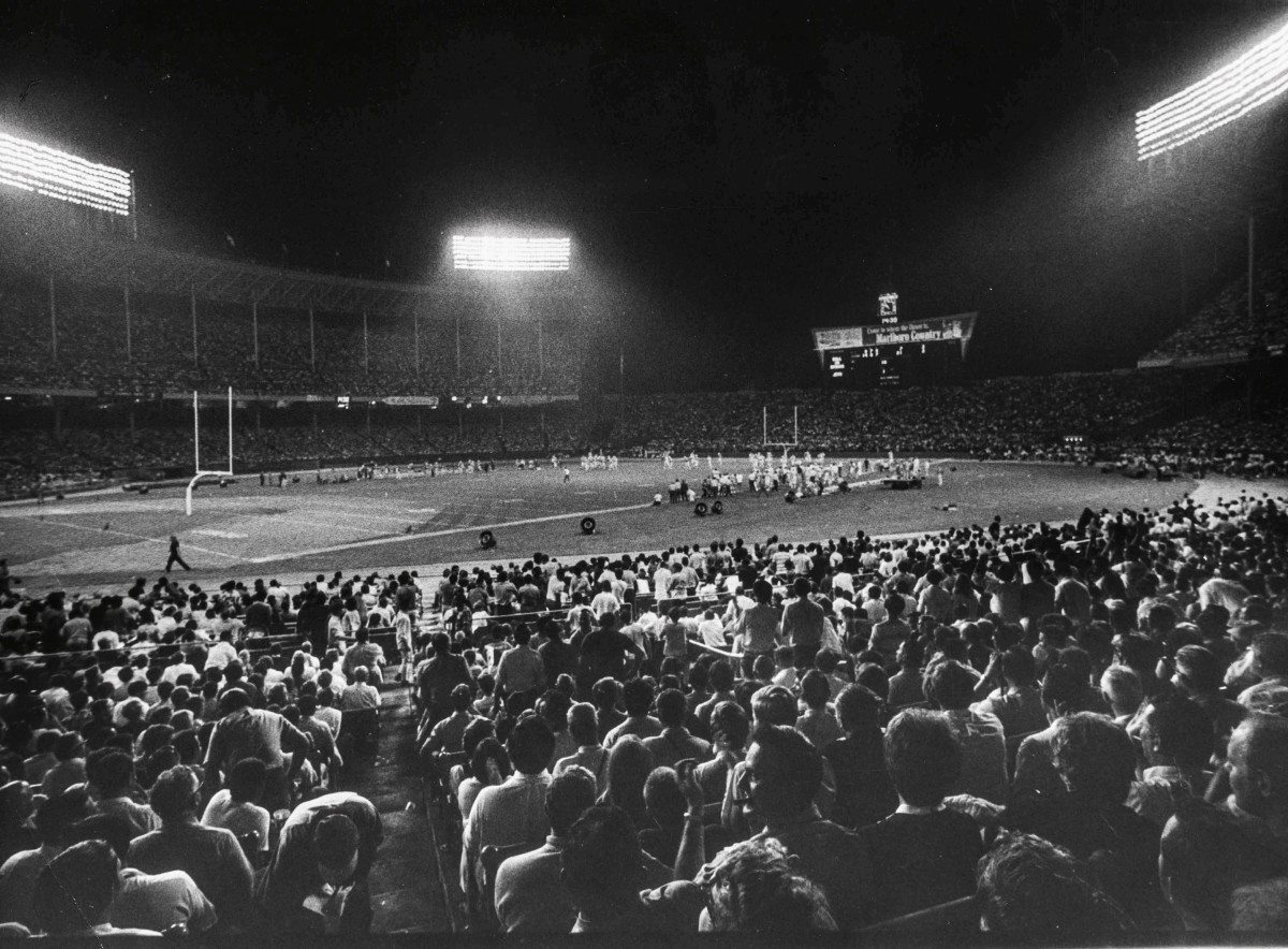 More than 85,000 fans packed Cleveland Stadium on Sept. 21, 1970, for the MNF debut.