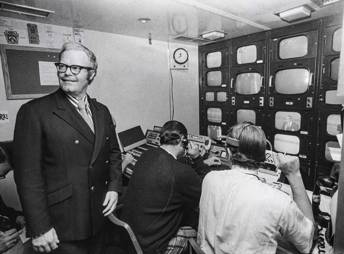 Arledge roamed the production booth on the night ABC unveiled his Monday-night innovation.