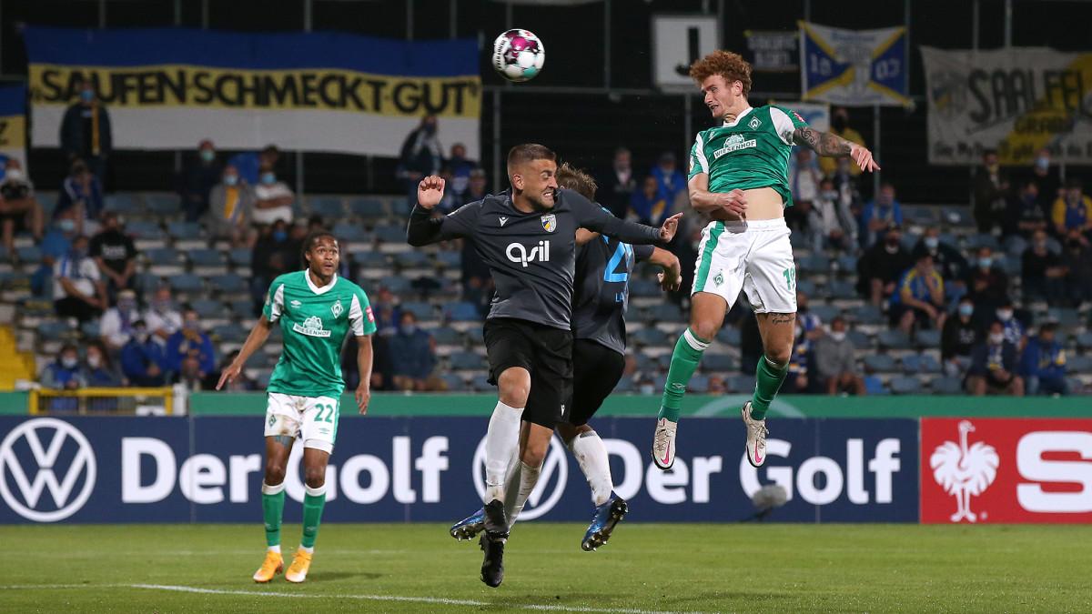 Josh Sargent scores for Werder Bremen