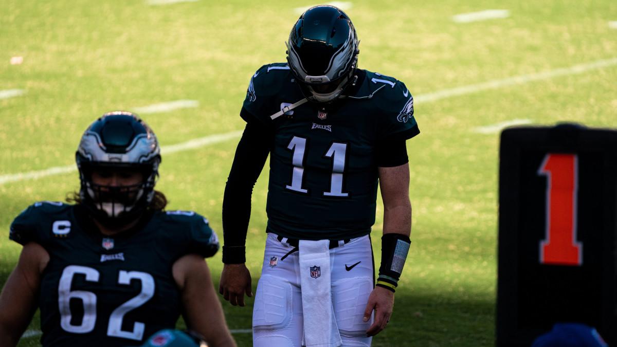 Eagles QB Carson Wentz walks off the field