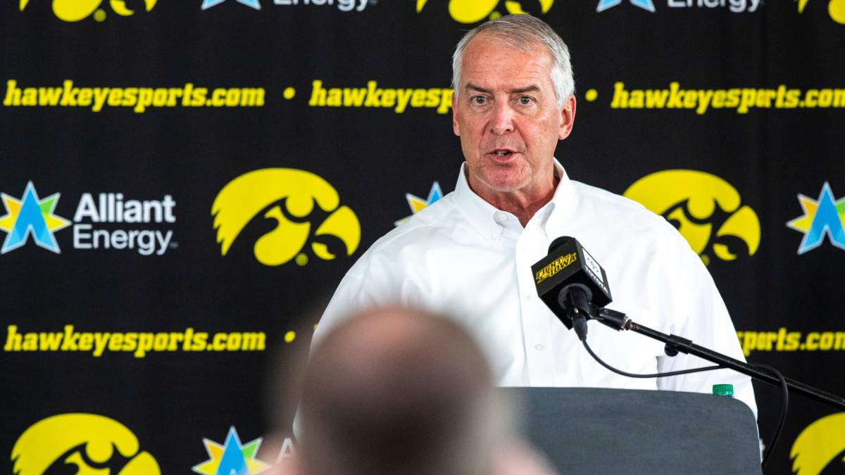 With Football Back, Iowa's Eliminated Programs Want Answers