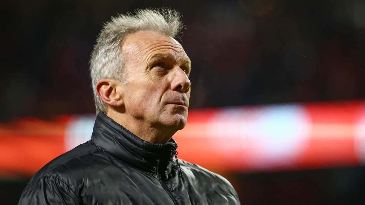 Joe Montana and his wife blocked an attempted kidnapping of their grandchild.