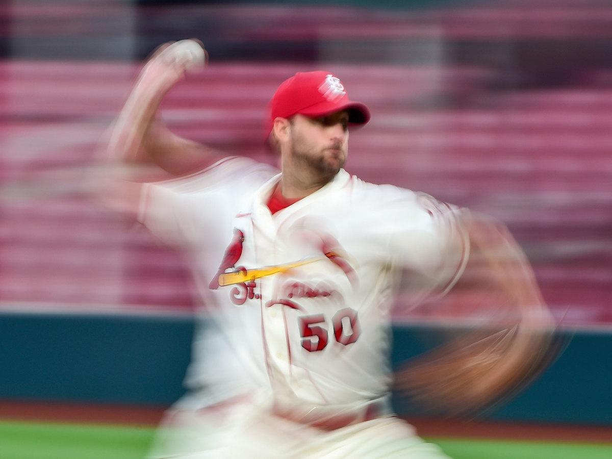 Adam Wainwright throwing