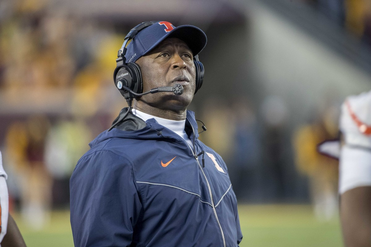 Illinois Fighting Illini head coach Lovie Smith looks on during the second half of a 2017 game against the Minnesota Golden Gophers at TCF Bank Stadium.