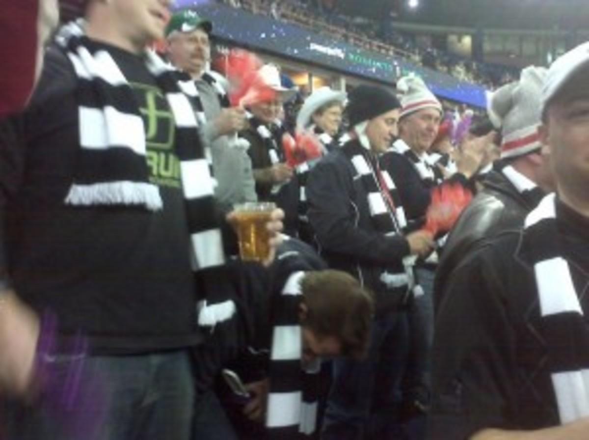Roar_Bernard fans_sm