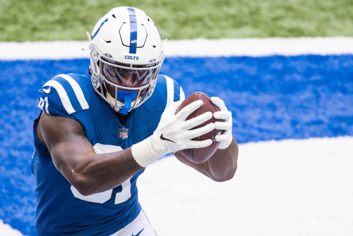 Indianapolis Colts tight end catches a touchdown pass in Sunday's 36-7 home rout of the New York Jets.