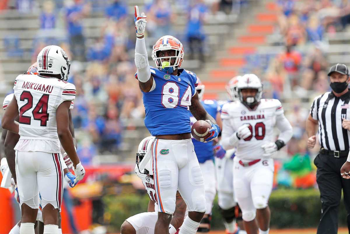 Florida Gators tight end Kyle Pits (84) signals a first down after making a catch during a game against South Carolina at Ben Hill Griffin Stadium, in Gainesville, Fla. Oct. 3, 2020.