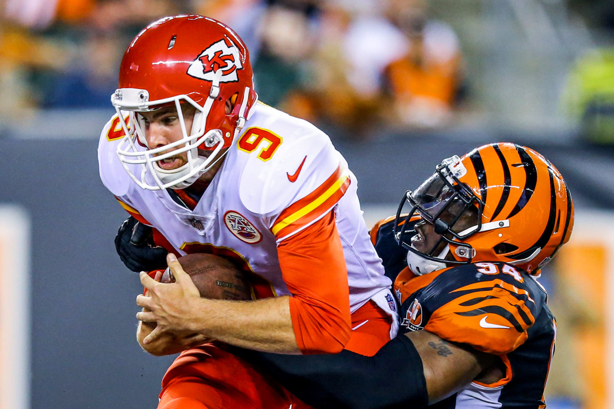 Smith bags the Chiefs' Tyler Bray in the 2017 preseason.