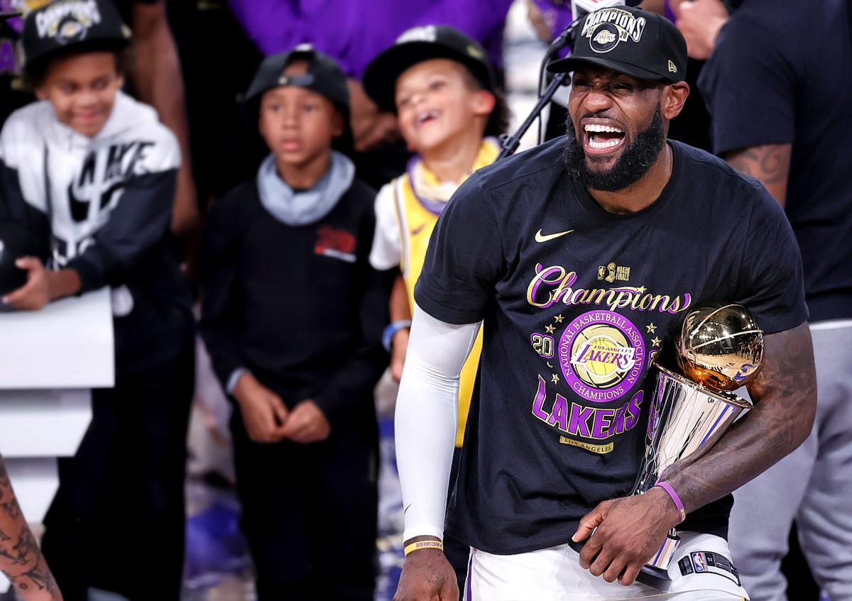 LeBron James celebrates the Lakers' 17th NBA championship