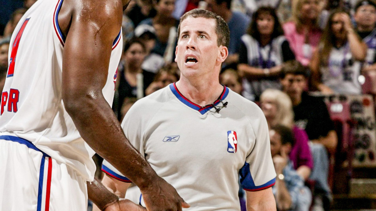Former NBA ref Tim Donaghy on the floor during a game