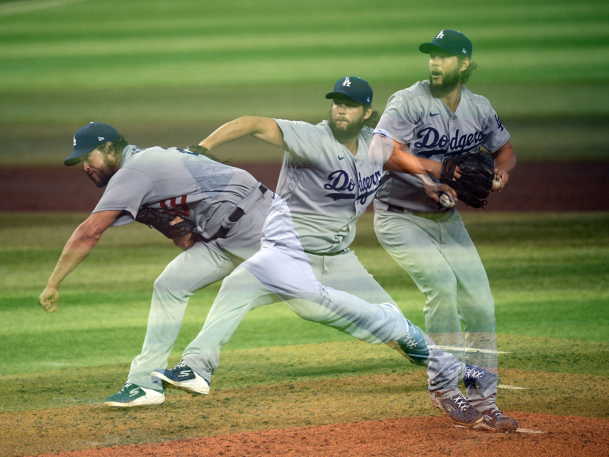 Clayton Kershaw throwing