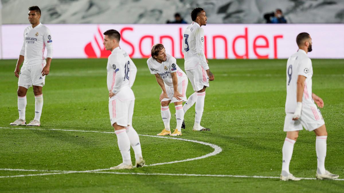 Real Madrid 0-3 Barcelona: Luis Suarez inspires convincing ...  |Barcelona- Real Madrid