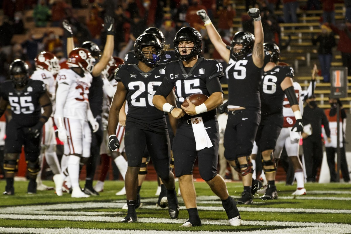 Brock Purdy celebrates the tying touchdown