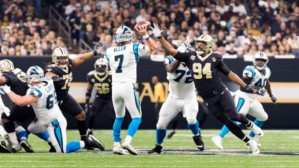Saints defensive end Cameron Jordan pressures Panthers quarterback Kyle Allen during the NFL football game between the New Orleans Saints and the Carolina Panthers in the Mecedes-Benz Superdome. Sunday, Dec. 30, 2018.© SCOTT CLAUSE/USA TODAY Network