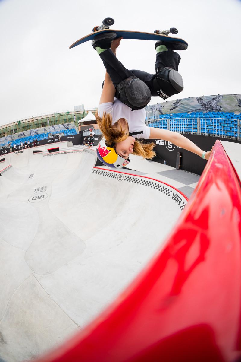 brighton-zeuner-skateboard-flip