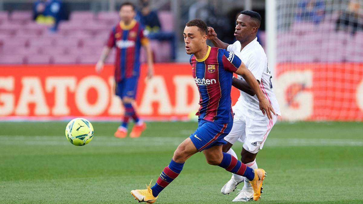 Sergino Dest defends Vinicius Junior in El Clasico