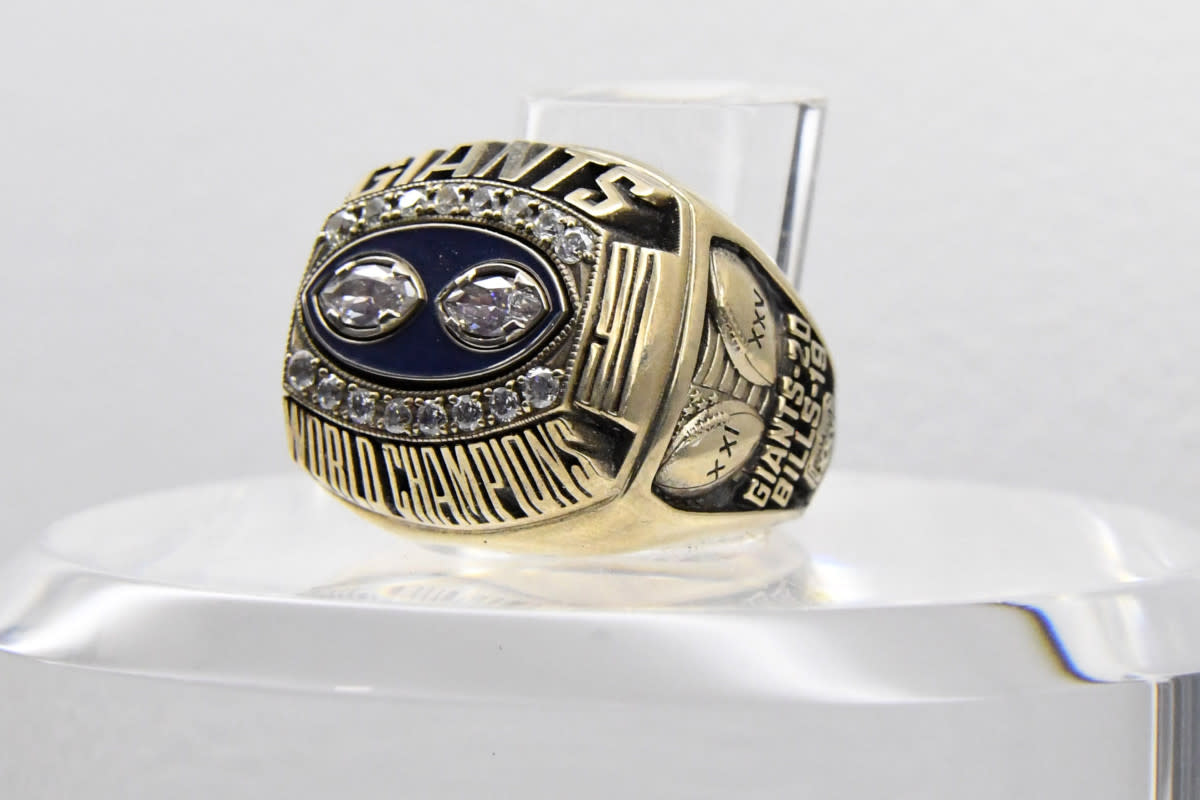 The Super Bowl XXV ring to commemorate the Giants' 20–19 victory over the Bills at Tampa Stadium.