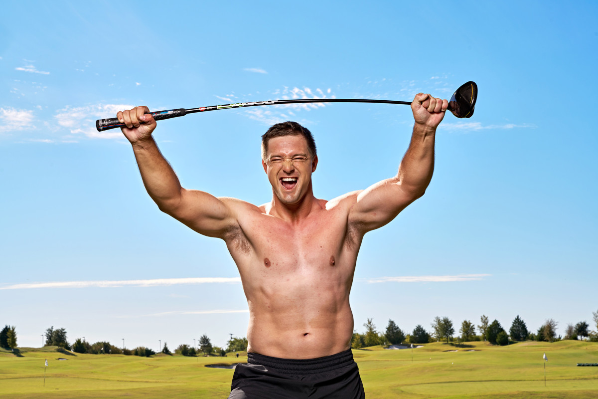 bryson-shirtless-sports-illustrated