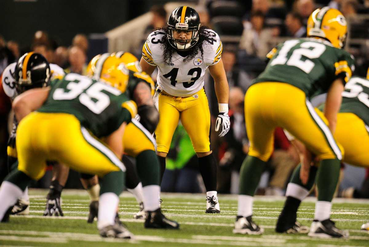 Troy Polamalu (43) is one of the best defensive players in Steelers history.