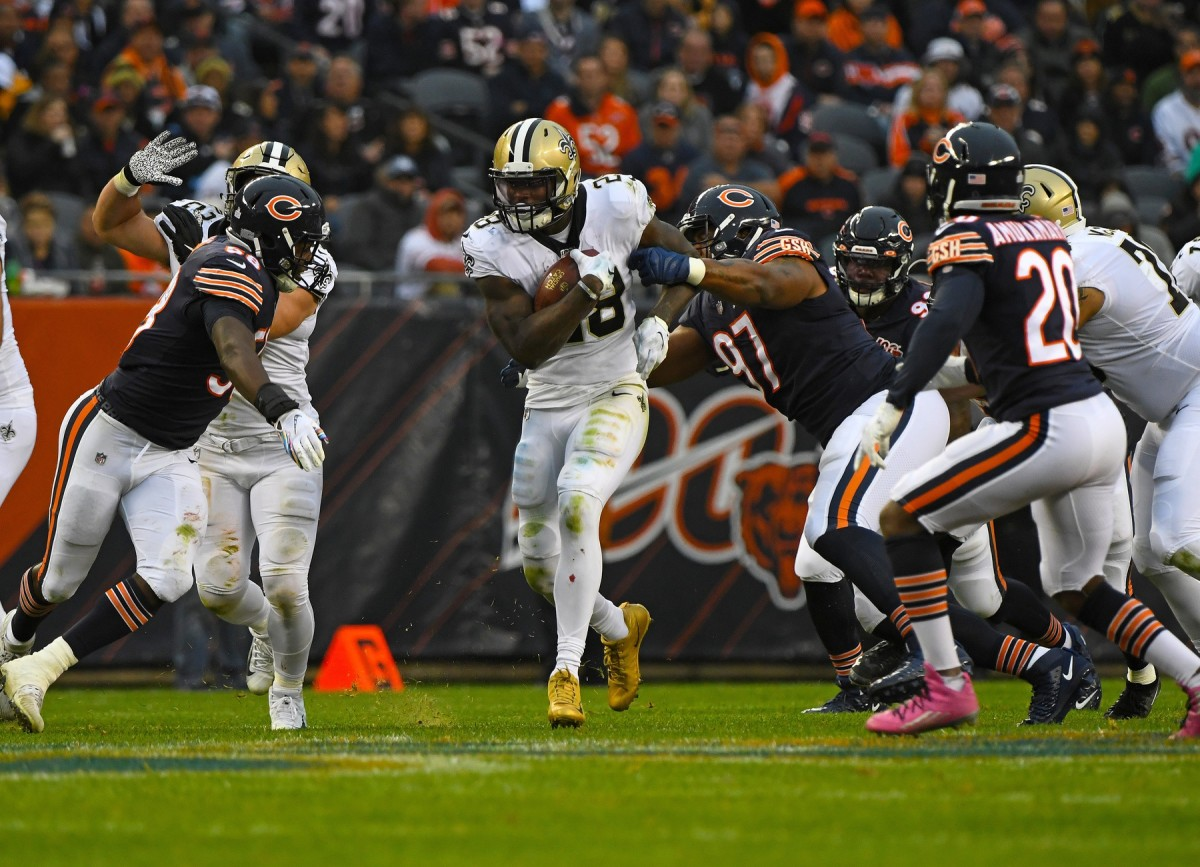 Oct 20, 2019; Chicago, IL, USA; New Orleans Saints running back Latavius Murray (28) rushes the ball against Chicago Bears inside linebacker Roquan Smith (58) during the second half at Soldier Field. Mandatory Credit: Mike DiNovo-USA TODAY Sports
