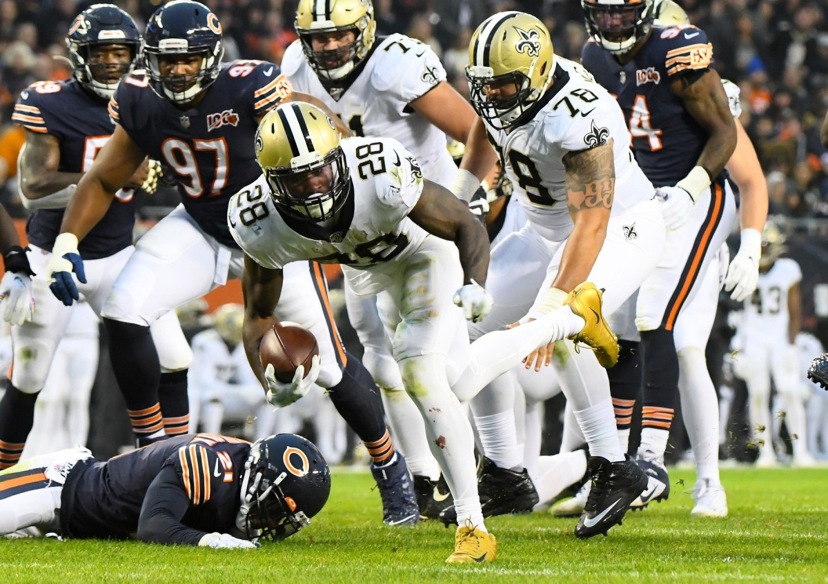 Oct 20, 2019; Chicago, IL, USA; New Orleans Saints running back Latavius Murray (28) rushes for a touchdown against the Chicago Bears during the second half at Soldier Field. Mandatory Credit: Mike DiNovo-USA TODAY Sports