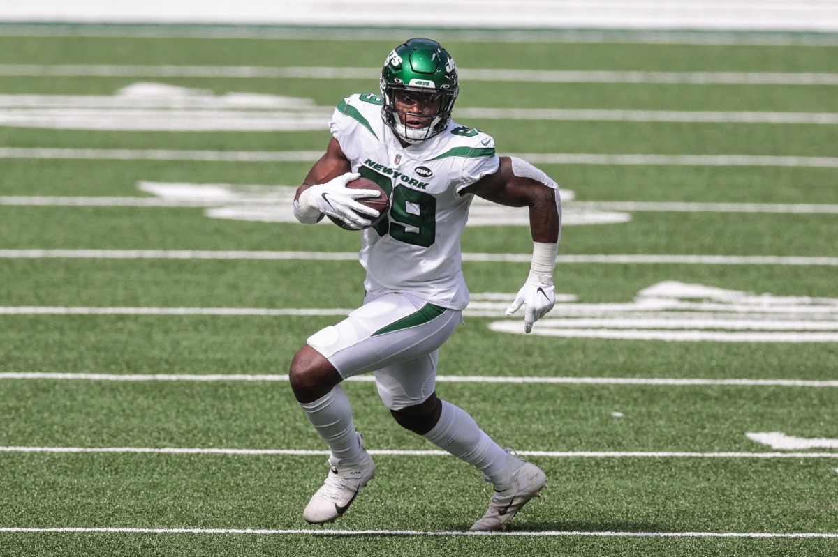 New York Jets tight end Chris Herndon is mentioned as a popular acquisition before Tuesday's NFL trade deadline.