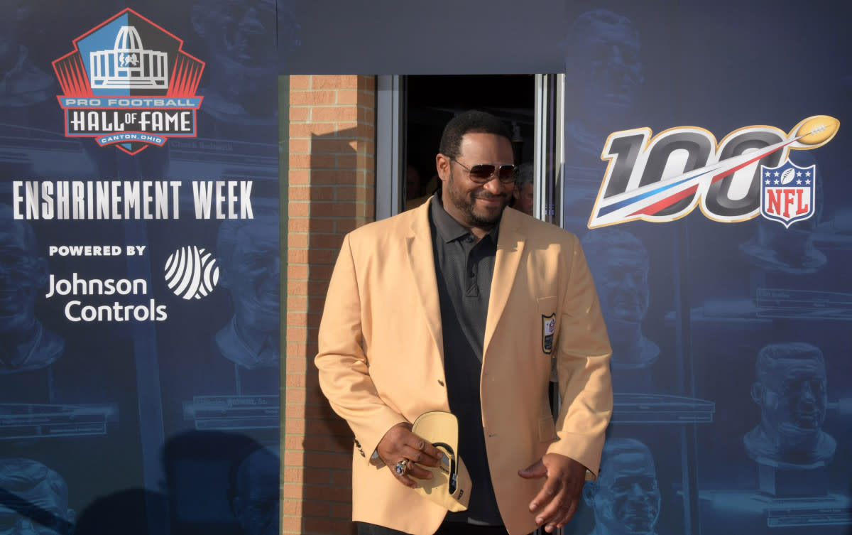Jerome Bettis arrives during the 2019 Hall of Fame Enshrinement at Tom Benson Hall of Fame Stadium. Though he is mostly known for his time with the Steelers, he had a few great seasons with the Rams.